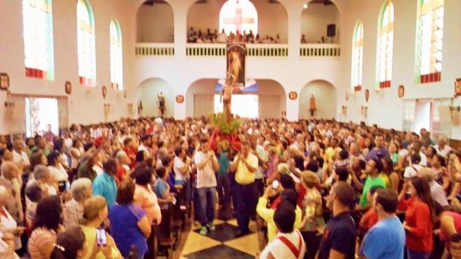 Especial São Sebastião:Fiéis celebram São Sebastião em Varginha(MG)-Paróquia do Mártir