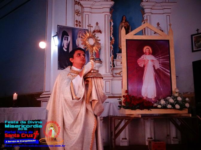 FESTA DA MISERICÓRDIA: Fiéis participam da Hora da Misericórdia em Campanha(MG)