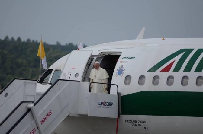 ESPECIAL JMJ: Confira como foi a chegada do Santo Padre o Papa Francisco em Cracóvia