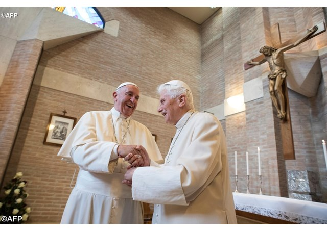 NATAL DO SENHOR: Papa visita Bento XVI para felicitações de Natal