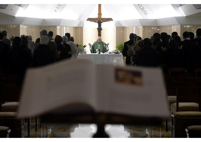 Papa Francisco: a vida cristã é uma luta contra as tentações