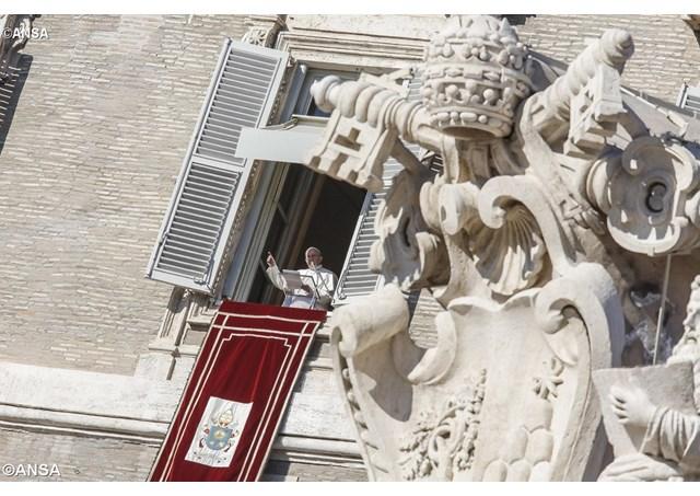 Papa Francisco: Coragem, a luz de Jesus vence as trevas mais obscuras!