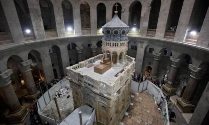 Túmulo de Jesus restaurado é apresentado na Igreja do Santo Sepulcro