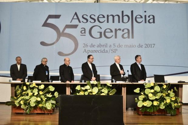 55ª Assembleia da CNBB. Nota Oficial sobre o grave Momento Nacional.