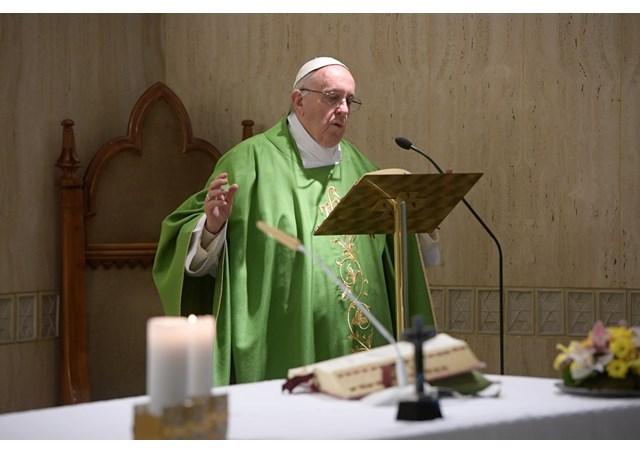 Papa Francisco: um padre deve ter paixão, discernimento e denúncia