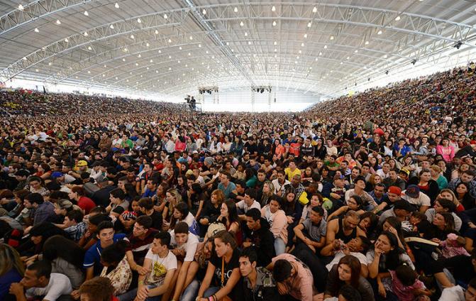 PHN 2017: Mais de 120 Mil Jovens se reuni na comunidade Canção Nova-Jovens o futuro da Igreja!