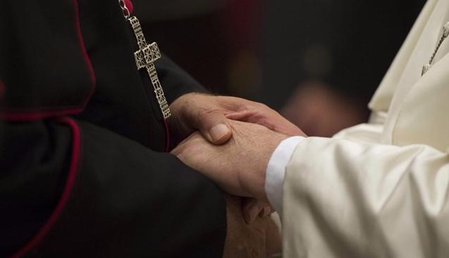 Papa a novos bispos: crescer no discernimento encarnado e inclusivo