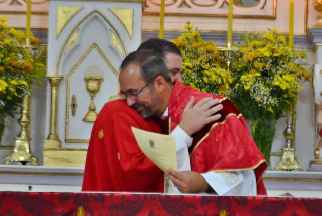 Com alegria, o Distrito de S. Antônio do Rio das Mortes vira paróquia e acolhe novo pároco – Diocese de São João del-Rei.