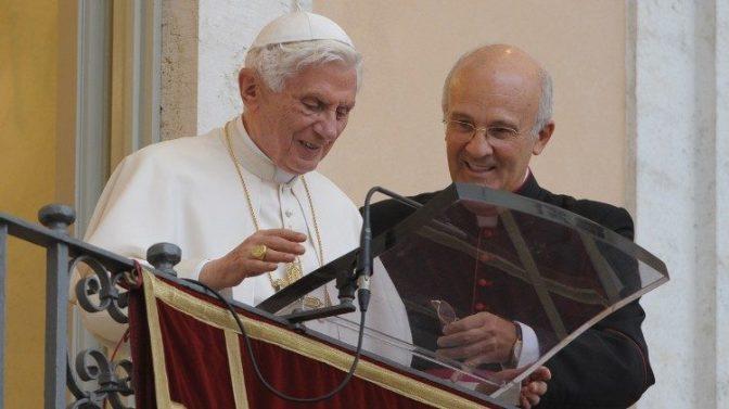 """5 anos da renúncia de Bento XVI: """"gesto heroico de amor à Igreja"""""""