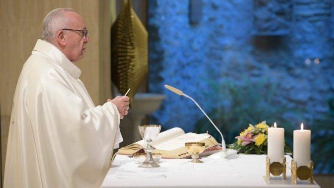 Papa: paciência não é resignação, é dialogar com os próprios limites.