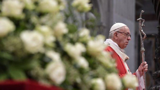 """Pentecostes: """"Força do Espírito é um reconstituinte para a vida"""""""