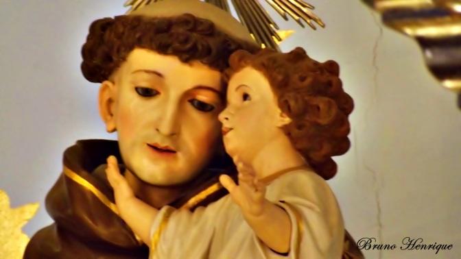 Santo Antônio, doutor da Igreja, martelo dos hereges.