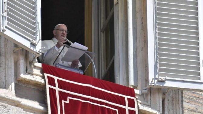 Papa: não reduzir a religião somente à prática da Lei
